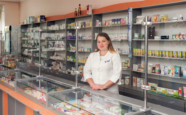 фармацевт в аптеці